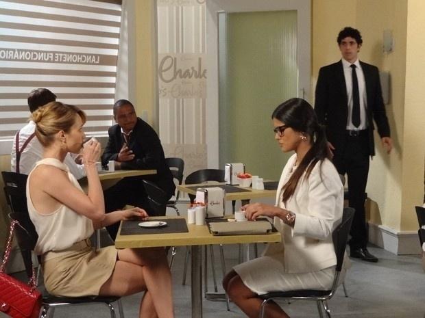 """Em """"Guerra dos Sexos"""", Juliana e Nando trocam olhares e Frô percebe"""