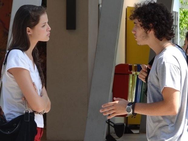 """Em """"Malhação"""", Ju exige que Dinho conte a verdade para Lia"""