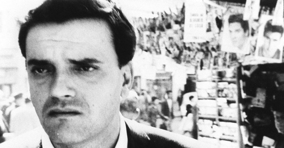 """1965 - Walmor Chagas faz sua estreia no cinema no filme """"São Paulo S.A."""". No filme, o ator foi dirigido por Luís Sérgio Person e teve seu primeiro encontro com a atriz Eva Wilma, de quem se tornou amigo próximo. A atuação de Walmor no longa lhe rendeu elogios do cineasta espanhol Luis Buñuel"""