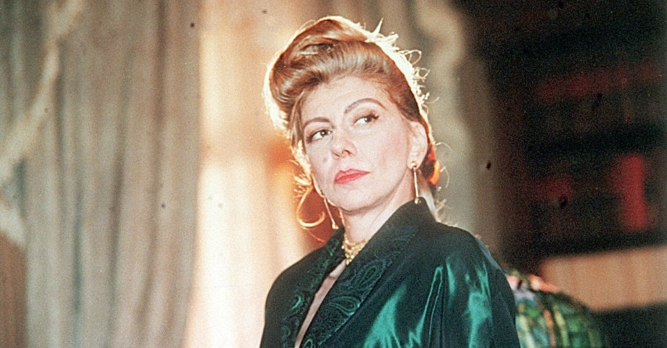 """1998 - Marília Pêra interpretou Custódia Alves Serrão na novela """"Meu Bem Querer"""""""