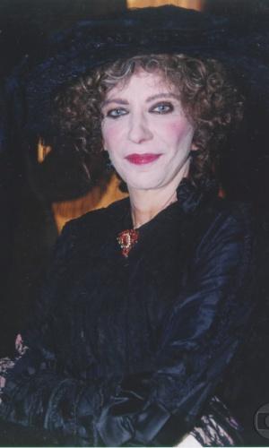"""2001 - Marília Pêra interpretou Maria Monforte na minissérie """"Os Maias"""""""