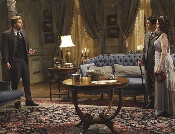 """Em """"Lado a Lado"""", Fernando e Catarina anunciam casamento para Edgar"""