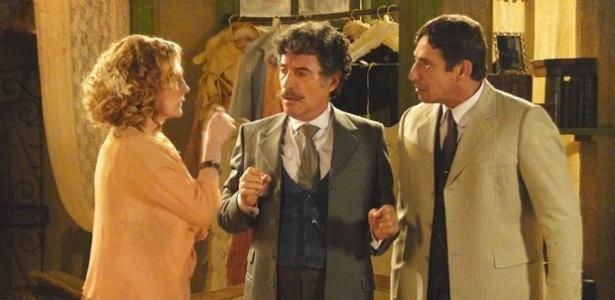 5.fev.2013 - Da esquerda para a direita, Maria Padilha, Paulo Betti e Tuca Andrada em cena de