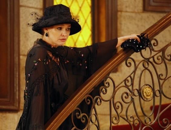 6.fev.2013 Mulher misteriosa aparece na mansão procurando por Otávio