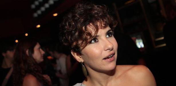 """Amanda Acosta será Letícia em """"Chiquititas"""""""