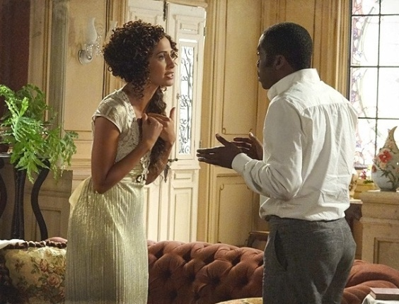 """9.fev.2013 - Em """"Lado a Lado"""", Isabel implora para Zé fugir com ela e registrar Elias como filho"""