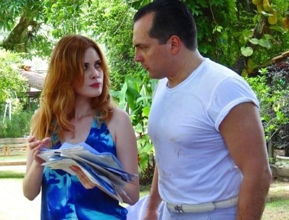 13.fev.2013 - Veruska (Mayana Moura) e Nenê (Daniel Boaventura) encontram provas das falcatruas de Vitório