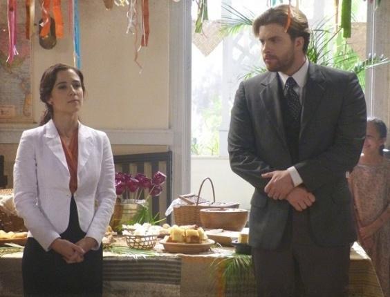 15.fev.2013 - Laura (Marjorie Estiano) e Edgar (Thiago Fragoso) se reencontram e trocam farpas