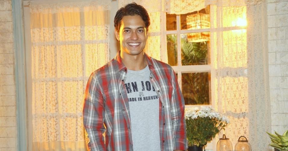 """19.fev.2013 - Raphael Vianna participou da apresentação da novela """"Flor do Caribe"""" no Projac, complexo de estúdios da Globo localizado na zona oeste do Rio"""