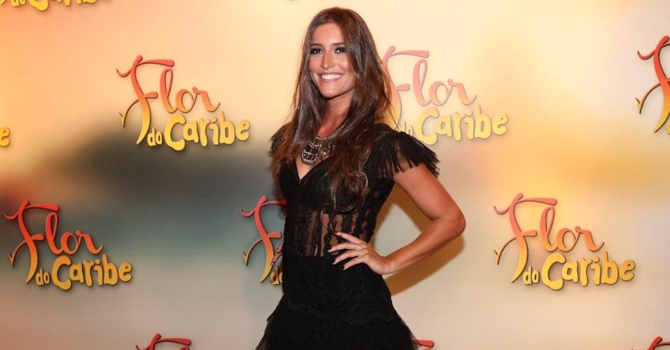 """23.fev.2013 - Maria Joana vai à festa da novela """"Flor do Caribe"""""""