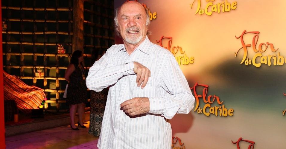 23.fev.2013 - Maestro Julio Medaglia na festa que aconteceu no Espaço Gardens, zona oeste de São Paulo