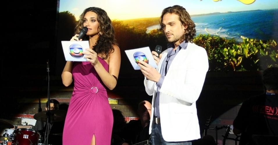 23.fev.2013 - Débora Nascimento e Igor Rickli apresentam a festa da novela das seis que estreia em 11 de março na Globo