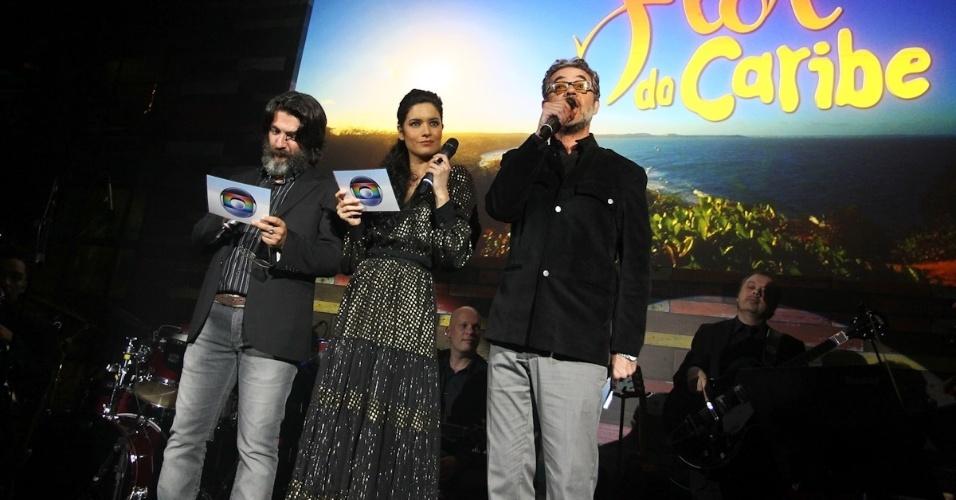 23.fev.2013 - Elenco internacional também prestigiou o lançamento da nova novela de Walter Negrão. A novela foi gravada no Rio Grande do Norte e na Guatemala