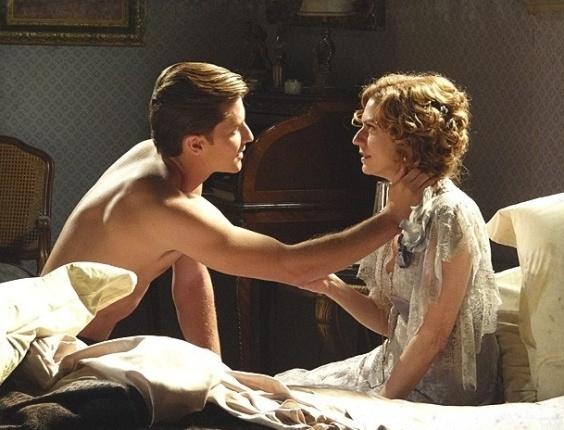"""Em """"Lado a Lado"""", Umberto diz para Constância que vai escrever cartas de amor para ela"""
