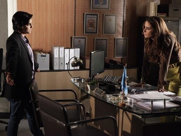 """Em """"Salve Jorge"""", Helô decide infiltrar Jô na máfia de Wanda"""