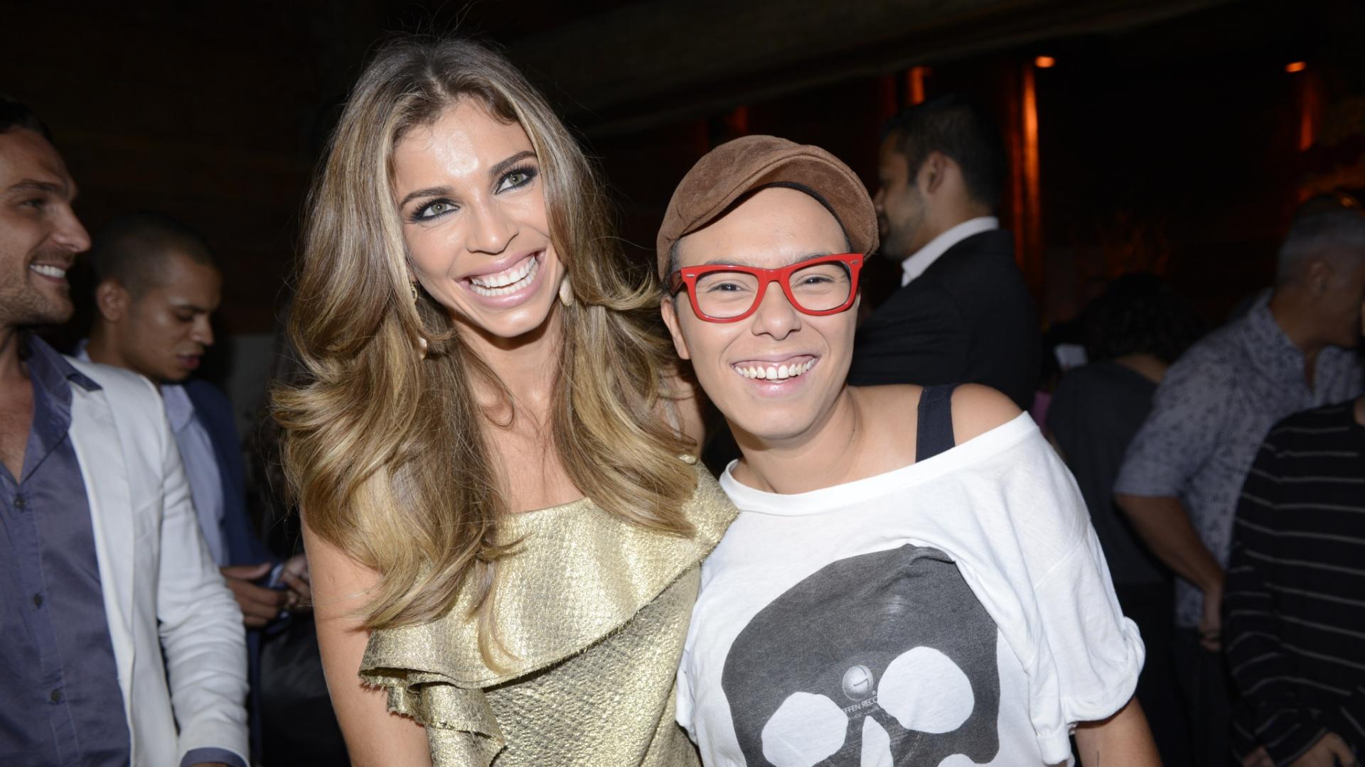 Fev.2013 - Grazi Massafera e Maria Gadú na festa da novela