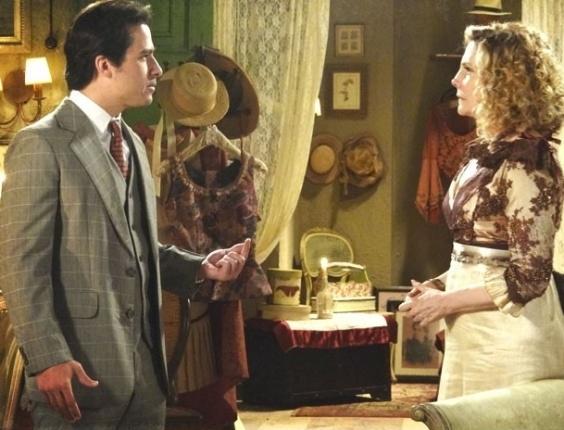 """27.fev.2013 - Em """"Lado a Lado"""", Luciano sai de casa e avisa que só volta quando souber quem é seu pai"""
