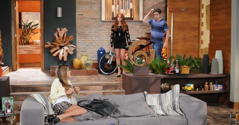 """Em """"Balacobaco"""", Lucas expulsa Luiza de sua casa e diz que está apaixonado por Catarina"""