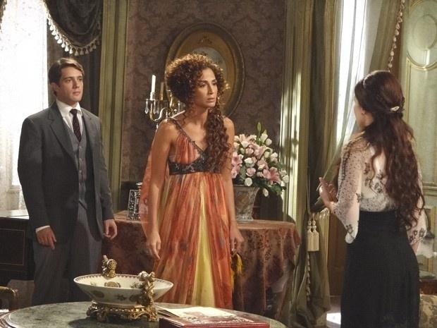 """Em """"Lado a Lado"""", Constância destrói a amizade de Isabel e Laura"""