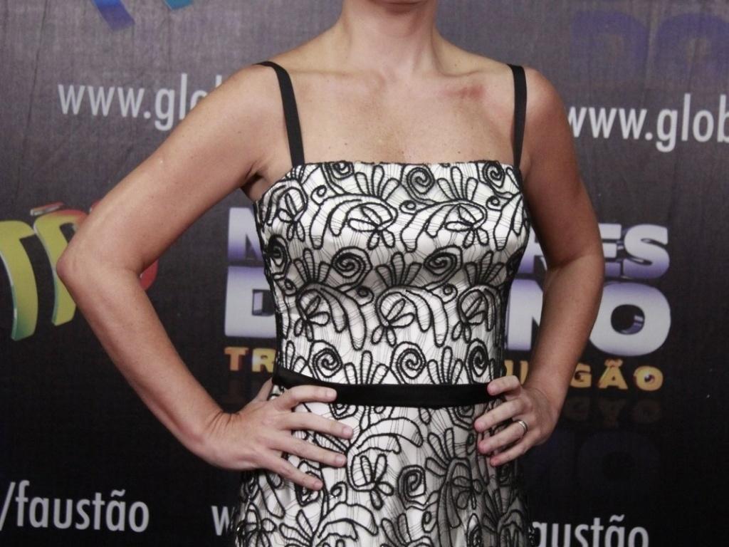 3.mar.2013 - Adriana Esteves posa para fotos no prêmio Melhores do Ano no