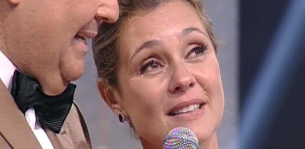 3.mar.2013 - Adriana Esteves se emociona ao ganhar o prêmio de Melhor Atriz no Melhores do Ano do