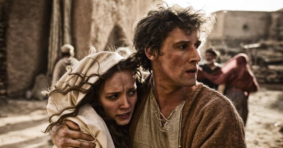 """5.mar.2013 - Cena da série """"A Bíblia"""" em que José foge com Maria para o Egito"""