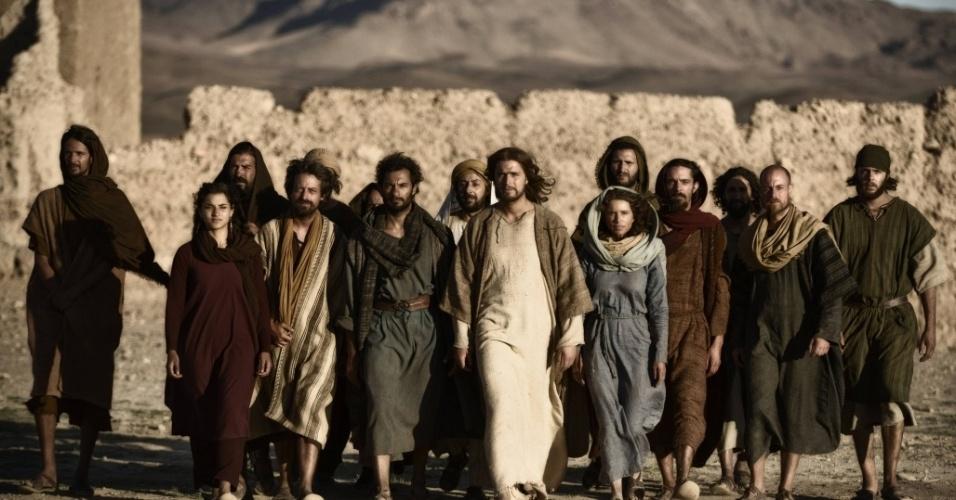 """5.mar.2013 - Jesus, Maria Madalena e seus 12 apóstolos em cena de """"A Bíblia"""""""