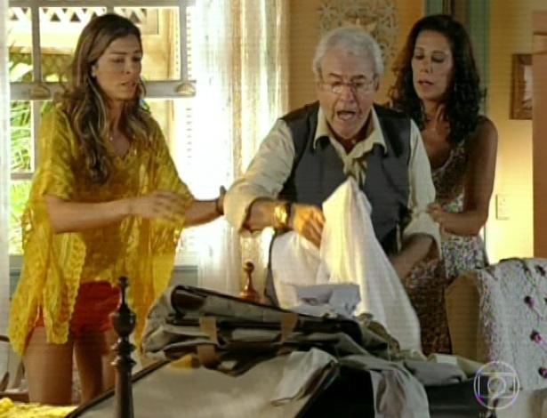 11.mar.2013 Ester tenta novamente acalmar o pai, que ainda está em pânico por conta dos aviões
