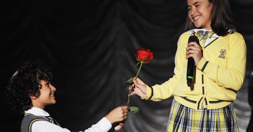 """11.mar.2013 Elenco da novela """"Carrossel"""" gravou nesta segunda-feira (11) as últimas cenas da trama no circo Tihany, em São Paulo"""
