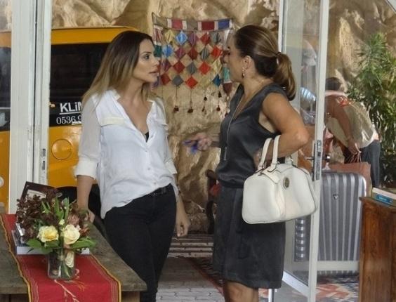 """19.mar.2013 Em """"Salve Jorge"""", Bianca confessa que está apaixonada por Zyah"""