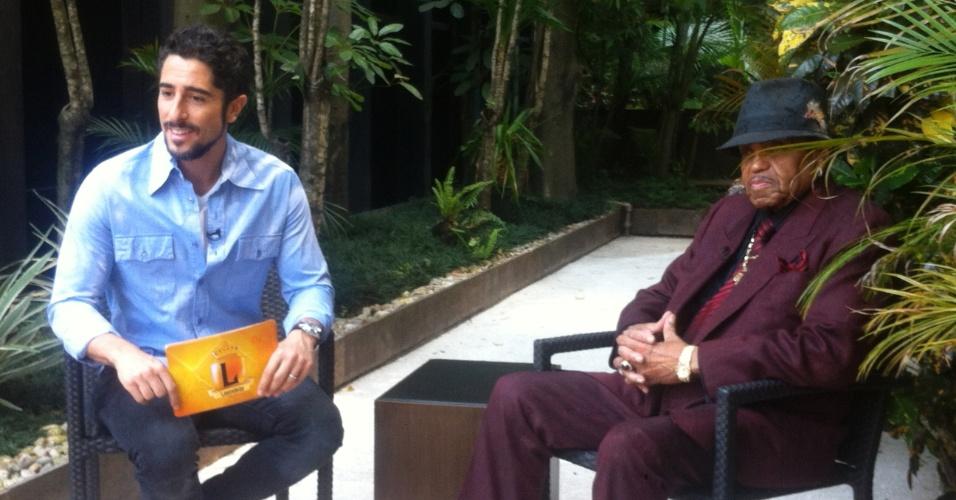 2013 - Pai de Michael Jackson dá depoimento para Marcos Mion