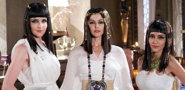"""Larissa Maciel, Bianca Rinaldi e Maytê Piragibe, em cena da minissérie """"José do Egito"""""""