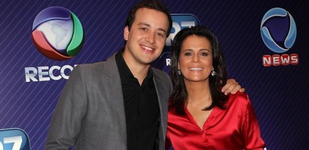 Rafael Cortez e Adriana Araújo comandaram a apresentação do evento que divulgou a grade da Record
