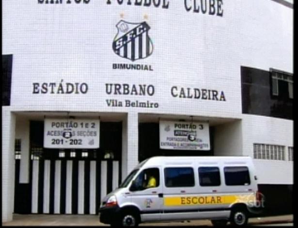 """No episódio de """"Carrossel"""" desta terça (29), as crianças visitaram o estádio da Vila Belmiro, em Santos"""