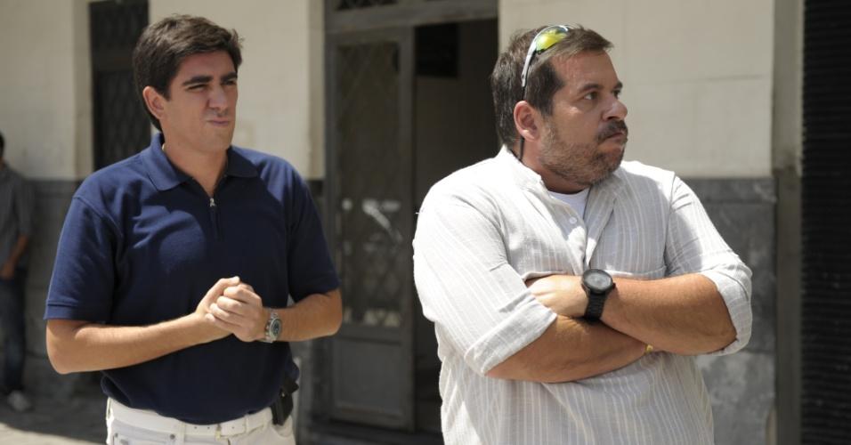 26.mar.2013 - Marcelo Adnet e Leandro Hassum dividem cena no primeiro capítulo da série