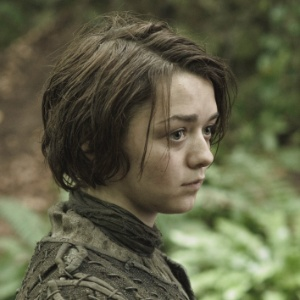 "Arya Stark (Maisie Williams) em cena da terceira temporada de ""Game of Thrones"""