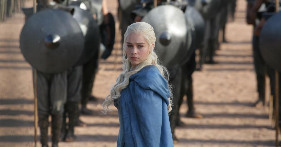 """Fortalecida pela companhia de seus dragões, Daenerys Targaryen vai começar a terceira temporada de """"Game of Thrones"""" reunindo um poderoso exército"""