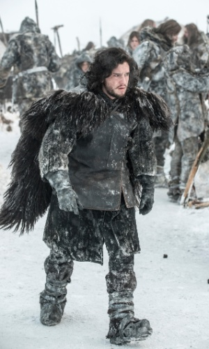 "Integrante da Patrulha da Noite, Jon Snow (Kit Harington) começará a terceira temporada de ""Game of Thrones"" entre os povo selvagem"