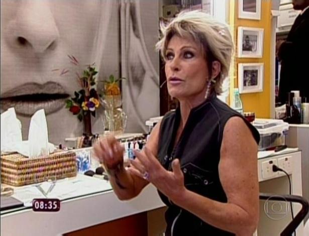 1.abr.2013 - Ana Maria Braga começou o programa trancada em seu camarim