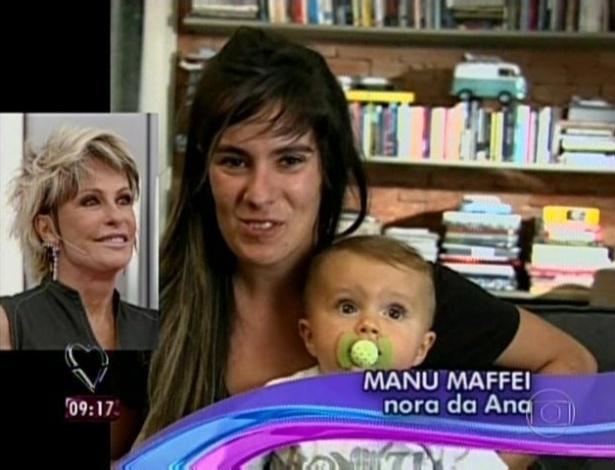 1.abr.2013 - Manu Maffei, nora de Ana Maria, mandou mensagem de parabéns para a apresentadora ao lado do pequeno Bento