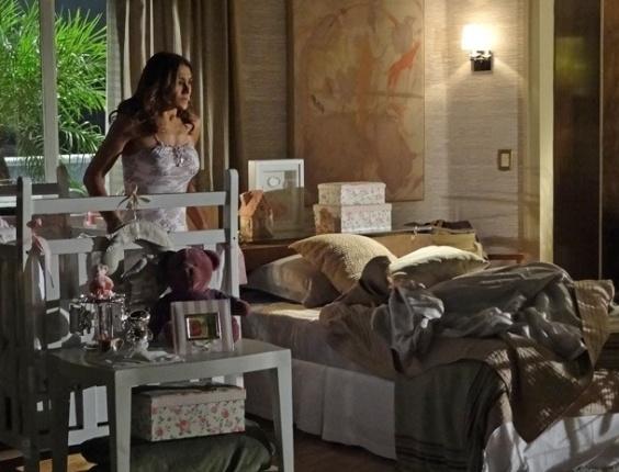 """Em """"Salve Jorge"""", Lucimar descobre que Morena fugiu e fica desesperada"""