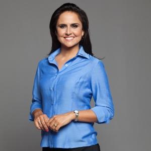 """Carla Cecato está na equipe de apresentadores do """"Domingo Espetacular"""", da Record, com Fabiana Scaranzi e Paulo Henrique Amorim"""
