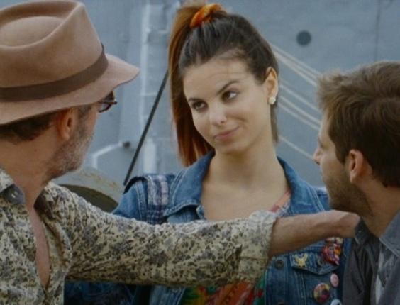 """Em """"Flor do Caribe"""", Amaralina decide ir para o Brasil com Cassiano e Duque"""
