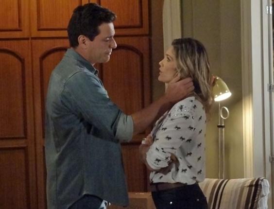 """6.abr.2013 - Em """"Salve Jorge"""", Théo e Érica discutem por causa da acusação de Lívia"""