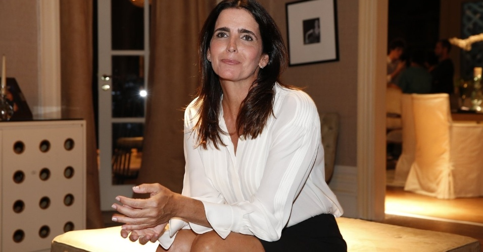 """8.abr.2013 - Malu Mader prestigiou a coletiva de apresentação da novela """"Sangue Bom"""" que aconteceu no Projac, zona oeste do Rio"""