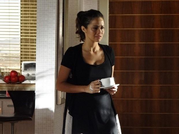 """Em """"Salve Jorge"""", Morena descobre caso de Théo com Lívia e diz nunca mais querer vê-lo"""