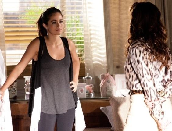 """Em """"Salve Jorge"""", Morena diz a Helô que quer voltar para a Turquia e ajudar a prender a máfia"""