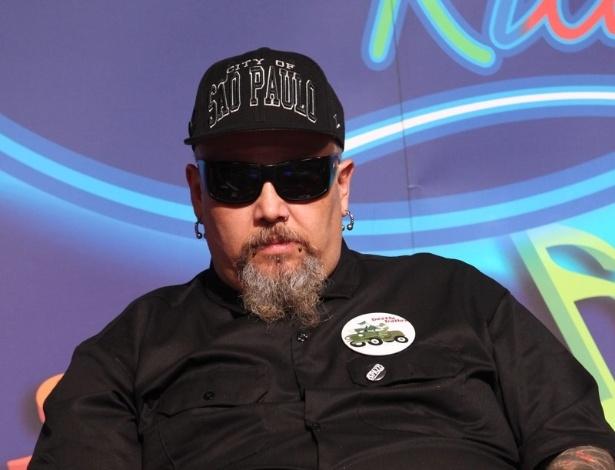 """9.abr.2013 - João Gordo participa de entrevista coletiva para apresentar a segunda temporada de """"Ídolos Kids"""""""