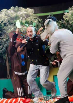 """Rafael Ilha se transforma em """"Shrek"""" no """"Cante Se Puder"""""""