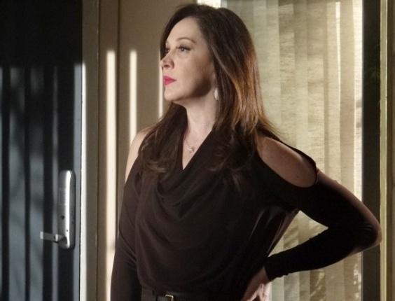 """11.abr.2013 - Em """"Salve Jorge"""", Lívia descobre que Morena está no Rio e planeja matá-la"""